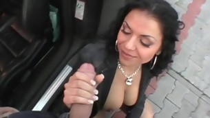 Gorgeous gal engulfing and getting drilled by large schlong